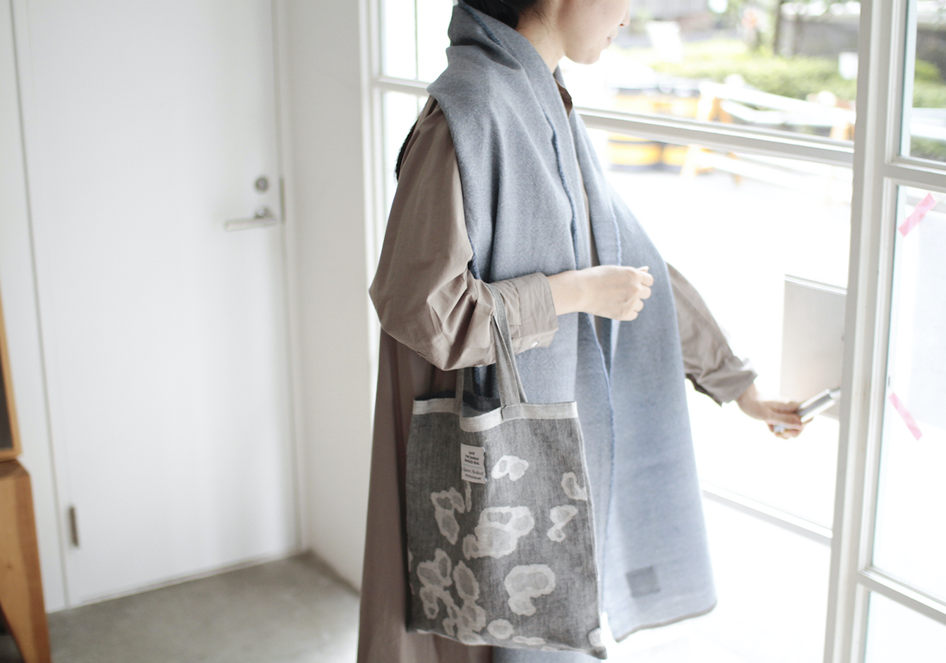 AUTUMN LOOK, mixed style of wool & linenのイメージ画像