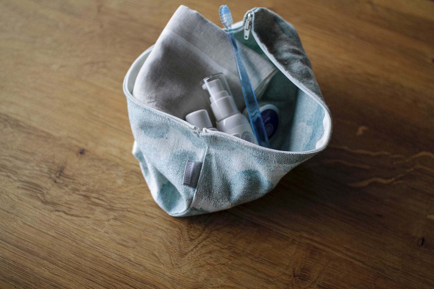 LINEN POUCH, find your favorite.のイメージ画像